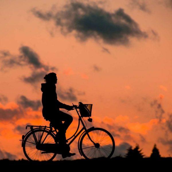 dammerung-fahrrad-radfahrer-37836 (1)